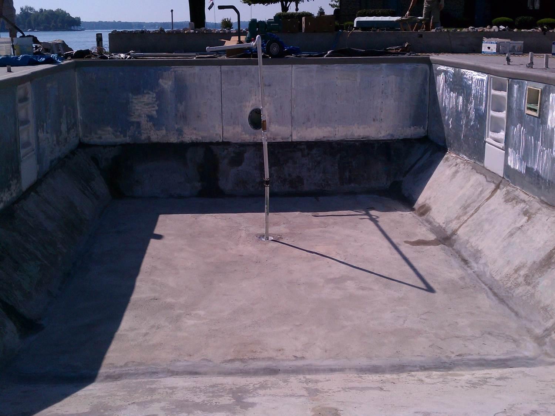 swimming pool liner before Granitex™ coating